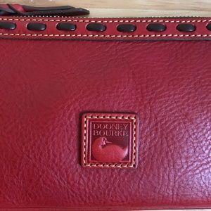 Dooney & Bourke Bags - NWT Dooney & Bourke Florentine Wristlet, Large